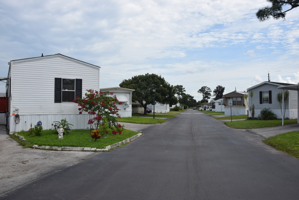 Carriage Court East: Manufactured Homes in Orlando, FL