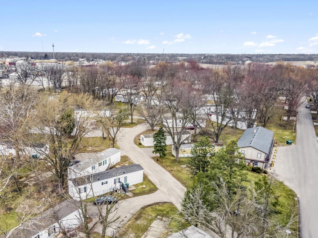 Longacre Estates (IL)