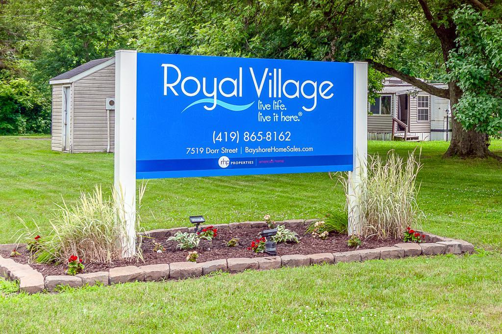 Royal Village (OH)